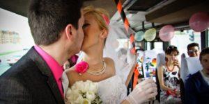 3 ri 8787 300x150 - Заказать автобус на свадьбу в Москве – удобная и востребованная услуга