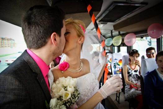 3 ri 8787 - Прокат автобусов на свадьбу