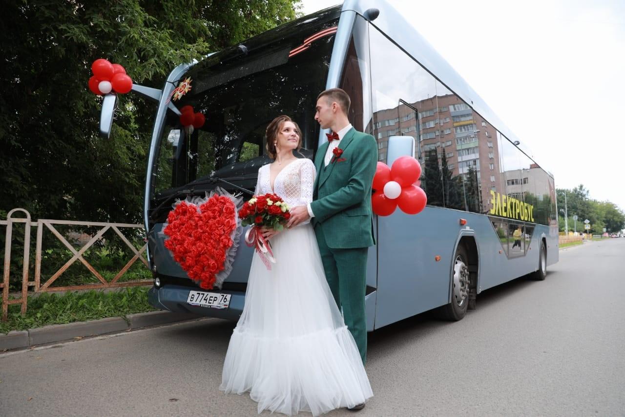 rpmlsapdrimlsdpshgl - Автобус или лимузин на свадьбу. Что выбрать?